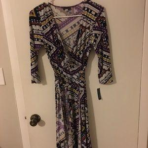 Dresses & Skirts - Size 8 Panziz wrap dress.